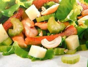 Салат из разного вида мяса