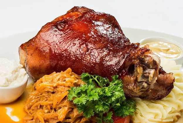 свиная рулька запеченная в духовке с картошкой рецепт с фото